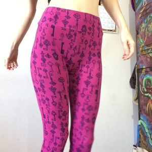 LuLaRoe Pants - Lularoe Old Fashioned Keys One Size Leggings